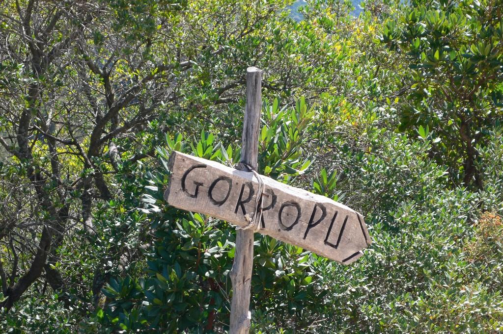 Wegweiser zur Schlucht von Gorropu