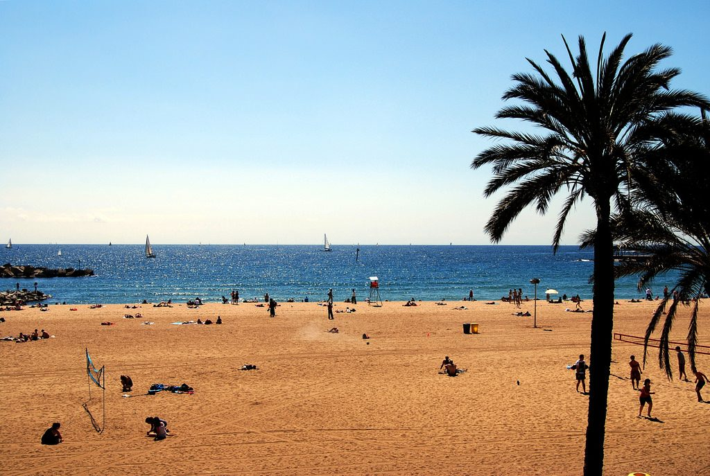 Barcelonas Strand im April